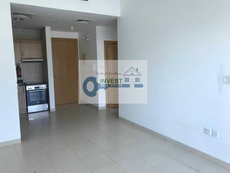 GOOD INVESTMENT    SPACIOUS   ONE BEDROOM   CALL NOW