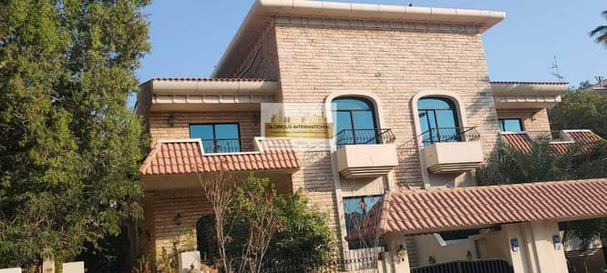 فیلا 4 غرف نوم للايجار في الخالدية، أبوظبي - Newly Vacated! Prime Location  w/ Lovely Garden