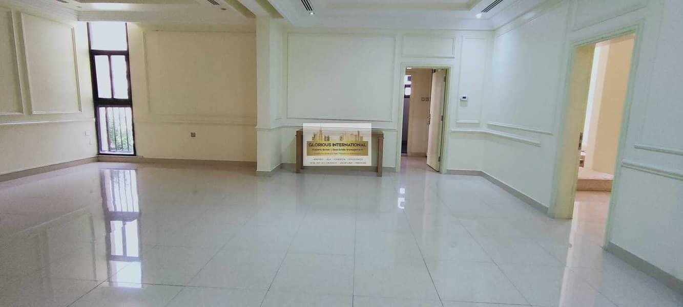 36 Royal Villa! 9 BHK villa in Corniche Khalidiya