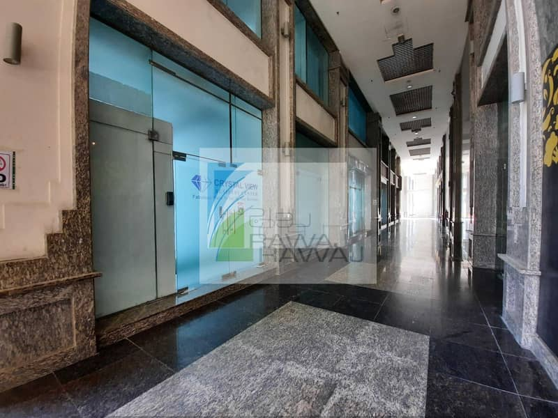 24 DUPLEX SHOWROOM | VACANT ON TRANSFER | ONTARIO TOWER