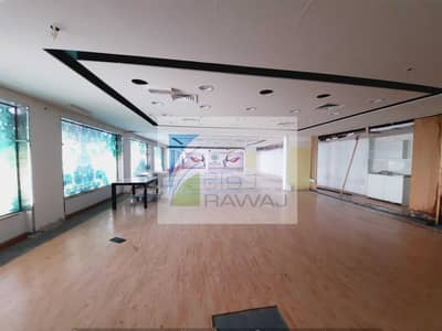 Shop for Rent in Business Bay, Dubai - RETAIL SHOP ( SHELL & CORE ) FOR RENT AT ONTARIO TOWER