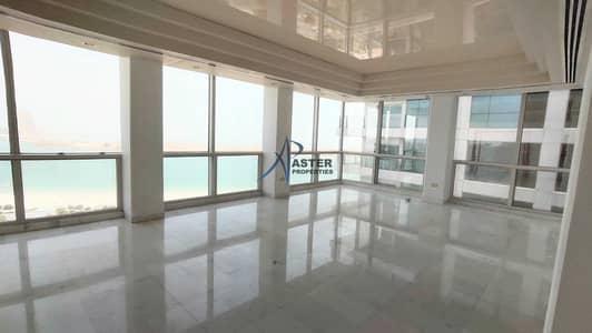 فلیٹ 4 غرف نوم للايجار في الحصن، أبوظبي - Bright & Quiet