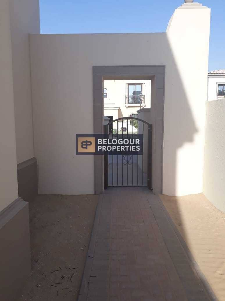 Prime location | Single Row | 4 Bedrooms + Maids