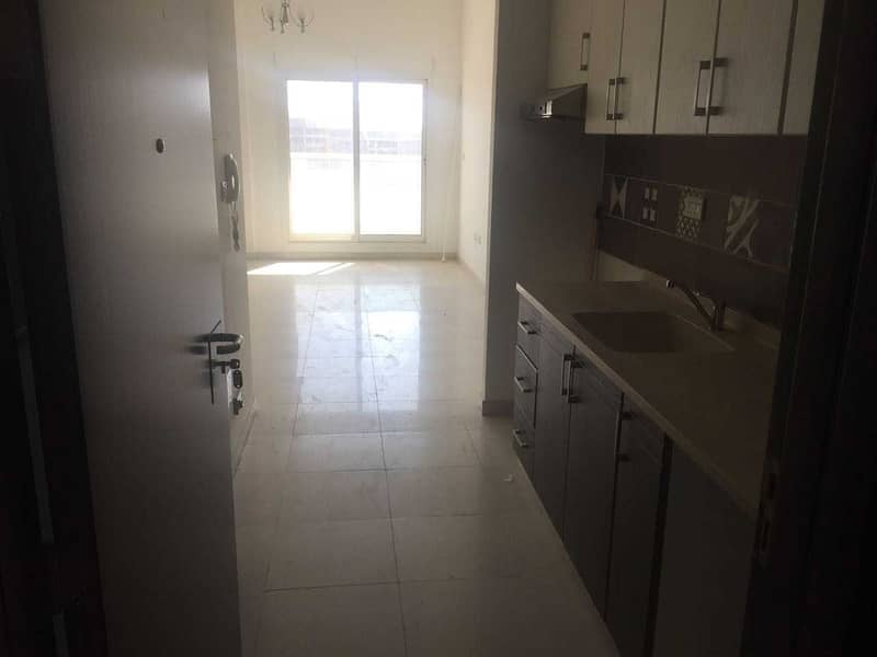 2 Bright  studio with balcony 520 sqft only 25/4 chks