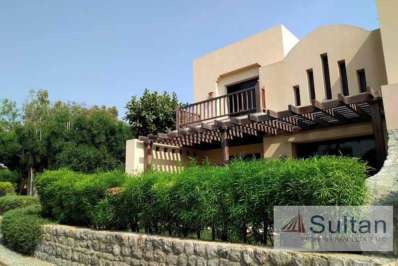 2 Luxuries Villa 1BR Full Sea View -Resorts Cove Rotana