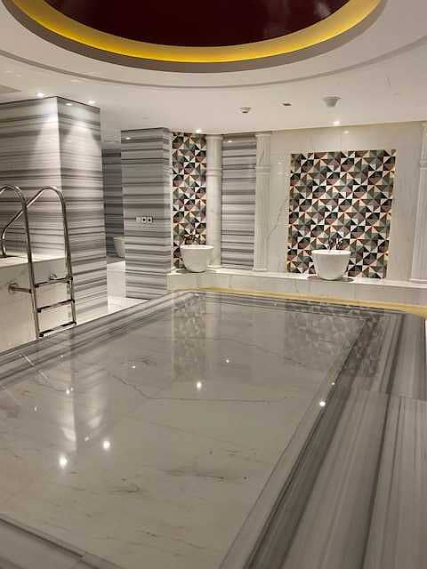 2 Fitted Shop   Available in Damac Prive