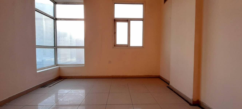 شقة في النباعة 1 غرف 15999 درهم - 5240071