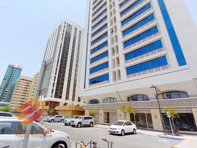 معرض تجاري  للايجار في منطقة النادي السياحي، أبوظبي - Spacious  Commercial Prime High End Location in city