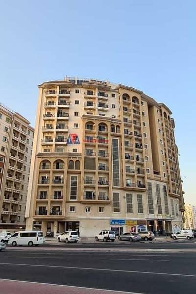 شقة 3 غرف نوم للبيع في المدينة العالمية، دبي - investor deal rented 3 bed room hall in CBD international city for sale