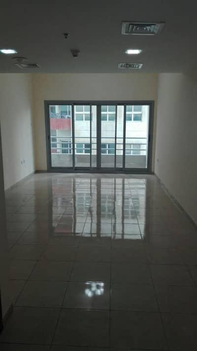 Close to NMC 2BHK- Master Bed Room / Wardrobes- Free Parking