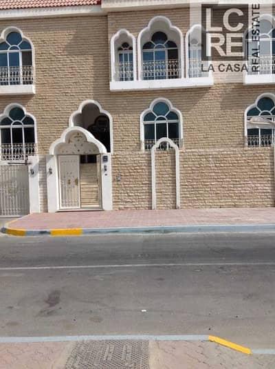 فيلا تجارية  للايجار في المشرف، أبوظبي - فيلا تجارية في شارع السعادة المشرف 270000 درهم - 5002321