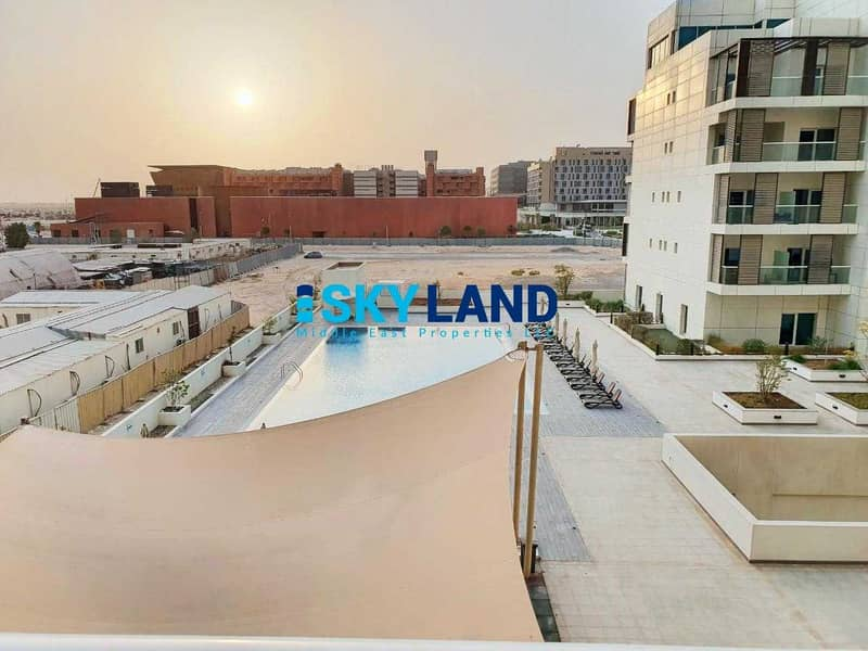 Exclusive ! Studio with Balcony and Pool View