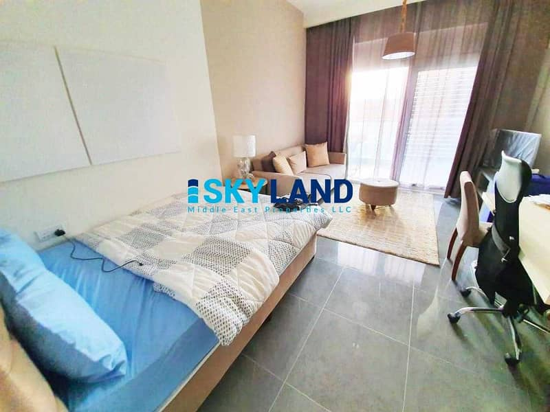 2 Exclusive ! Studio with Balcony and Pool View