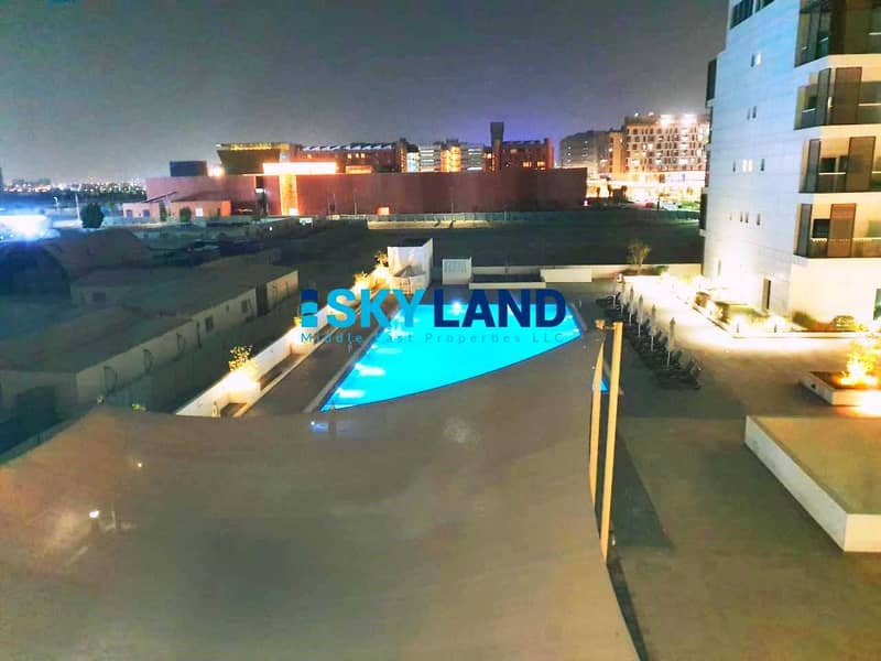 11 Exclusive ! Studio with Balcony and Pool View