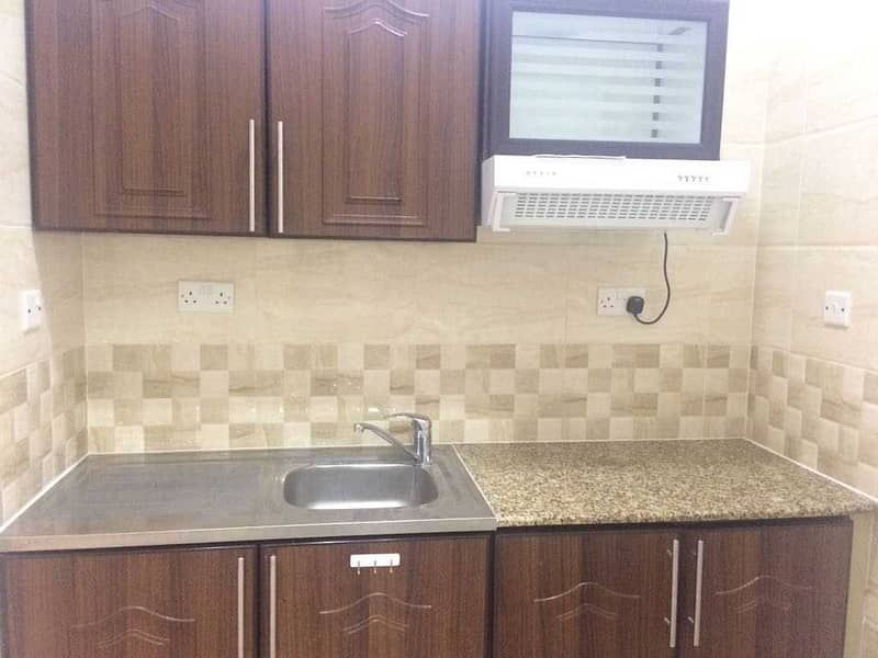 studio brand new  very clean with parking free 0% FEES