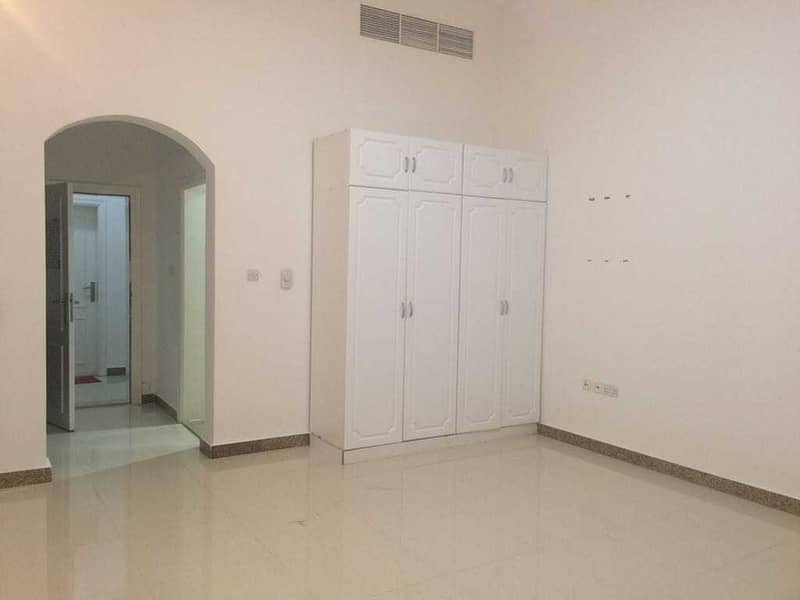 2 studio brand new  very clean with parking free 0% FEES