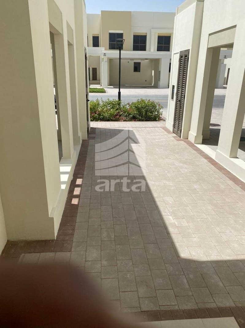 2 Lavish Living Villa at Townsquare Dubai
