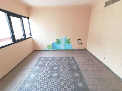 2 Bedroom Flat for Rent in Corniche Area, Abu Dhabi - Charming 2 BHK| Balcony|Central Gas & AC|4 Payments|Great Location