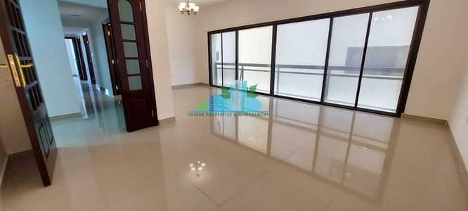 شقة 3 غرف نوم للايجار في شارع المطار، أبوظبي - SPOTLESS 3 BHK | Built in Cabinet | 3 Chqs |Near Al Whada