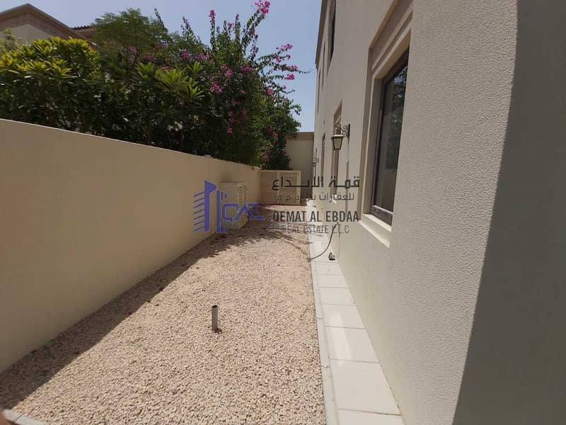 33 Spacious Villa 5BR+Maid | Private Garden | Family Community