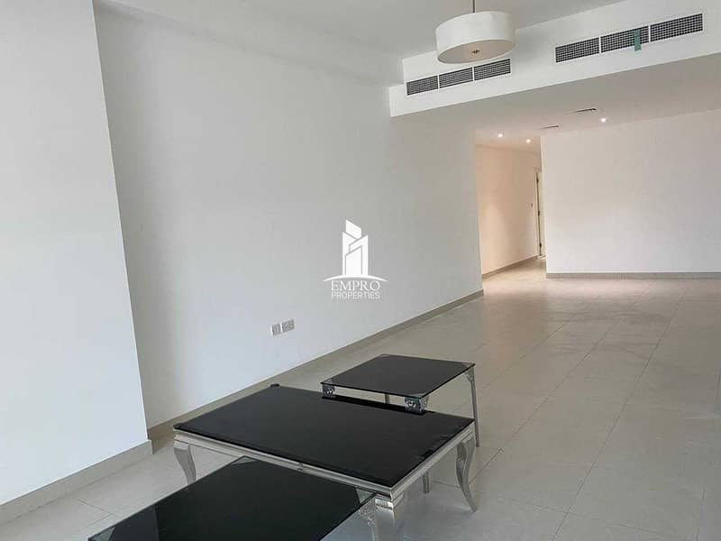 2 Super Distress Sale! Spacious One Bed