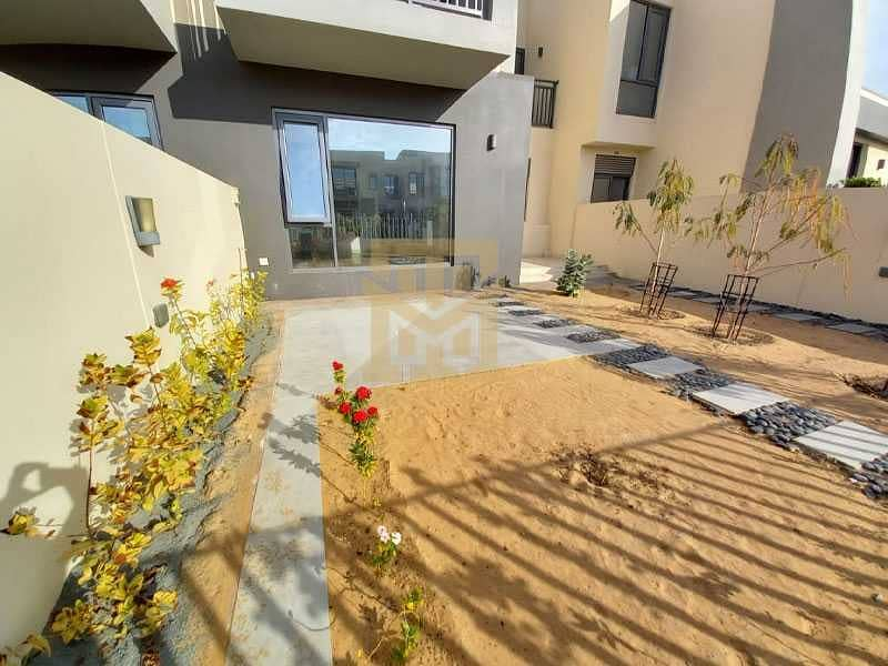19 Luxury 3Bed + Maids| Vacant | Type 2M| Back to Back