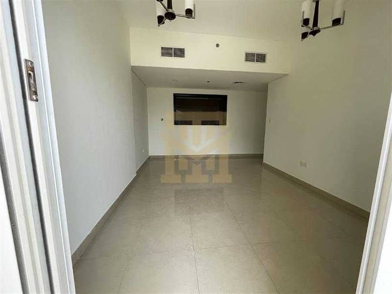 2 1 Month Free   Closed Kitchen   Near Park   6 Cheques