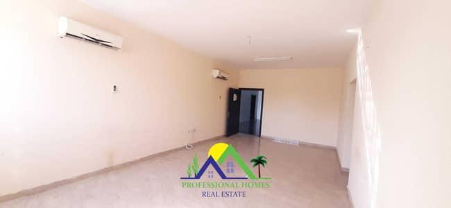 شقة 3 غرف نوم للايجار في المطارد، العین - Spacious Bright 3bhk flat in Mutarad behind Jahili School