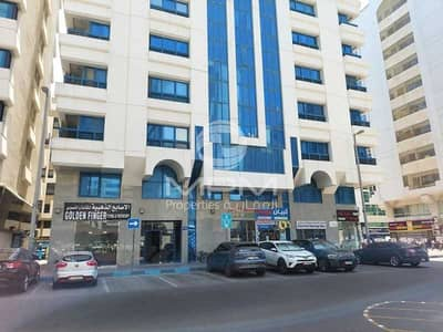 1 Bedroom Apartment for Rent in Tourist Club Area (TCA), Abu Dhabi - Spacious  Apt.   Balcony   Central A/C   4 Chqs