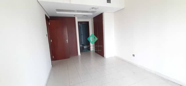 1 Bedroom Flat for Rent in Jumeirah Lake Towers (JLT), Dubai - Spacious | Full Lake and Land mark view.