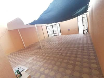فيلا مجمع سكني 5 غرف نوم للايجار في عشارج، العین - فيلا مجمع سكني في عشارج 5 غرف 75000 درهم - 5218972
