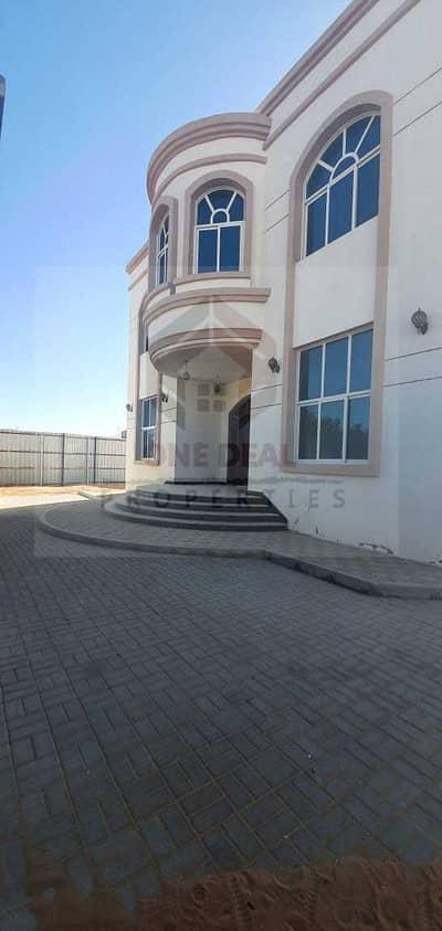 فیلا 6 غرف نوم للايجار في الزاخر، العین - فیلا في الزاخر 6 غرف 100000 درهم - 4957147