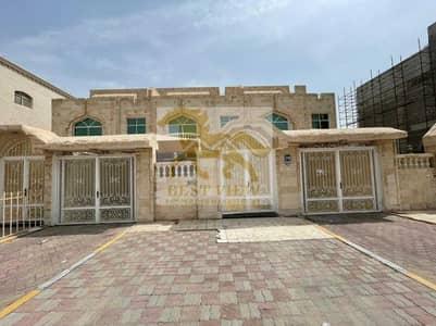 5 Bedroom Villa for Rent in Al Mushrif, Abu Dhabi - Spacious Villa 5 Bedrooms in Al Mushrif.