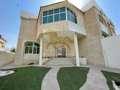 6 Bedroom Villa for Rent in Al Bateen, Abu Dhabi - Excellent Villa 6 Bedrooms in good location.