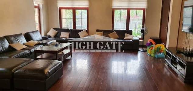 6 Bedroom Villa for Sale in Jumeirah Islands, Dubai - LUXIRIOUS  6 Bedroom MANSION  Jum Islands