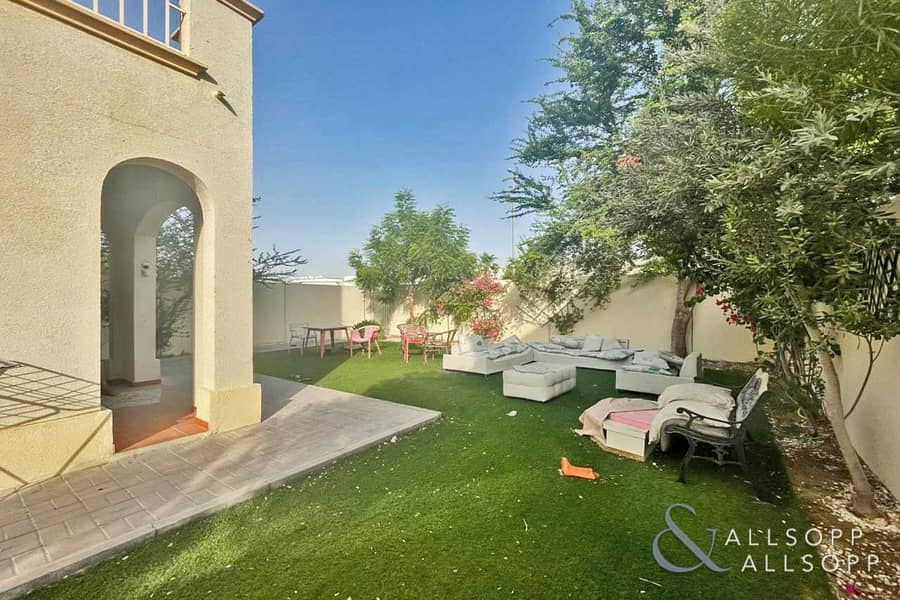 2 Exclusive | 2 Beds + Study | Large Plot