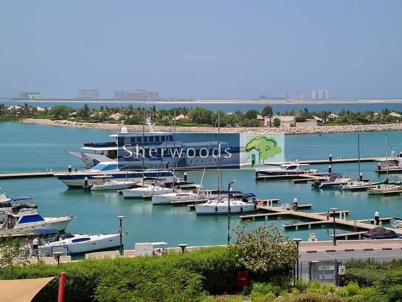 10 Stunning Marina and Beach Views - Huge Balcony