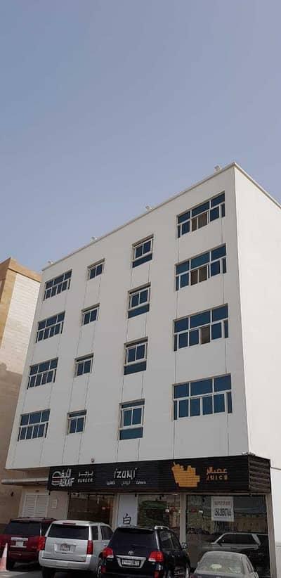 مبنى سكني 21 غرف نوم للبيع في الجرف، عجمان - بنايه جديده للبيع اول ساكن للبيع في الجرف 2 ارضي+4 دخل 600 الف سنوي