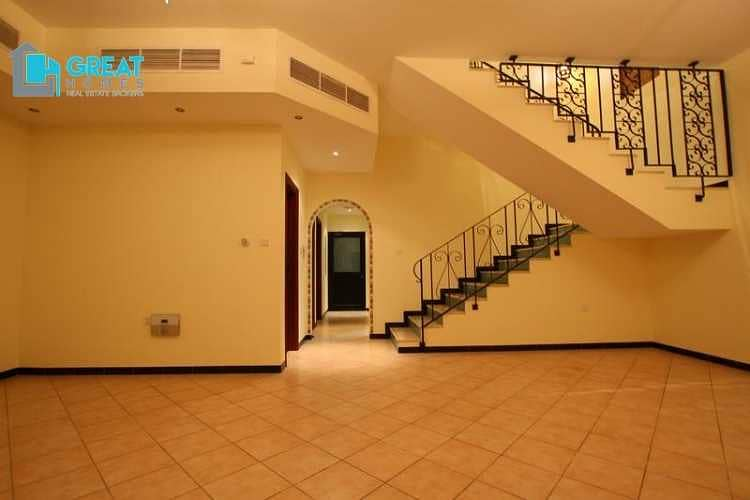 2 Well Maintained Community Villa for Rent