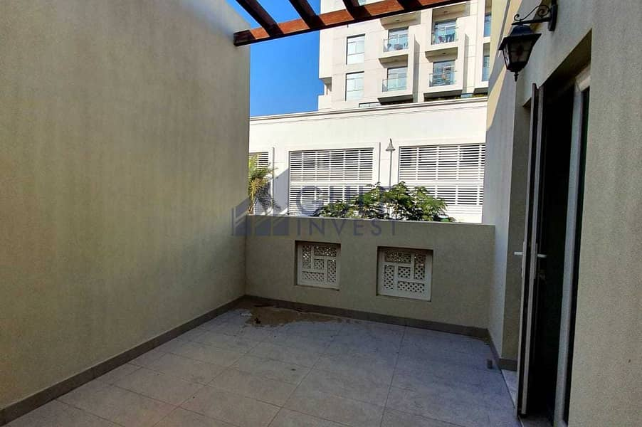 26 Vacant 3 bd for sale/ open view