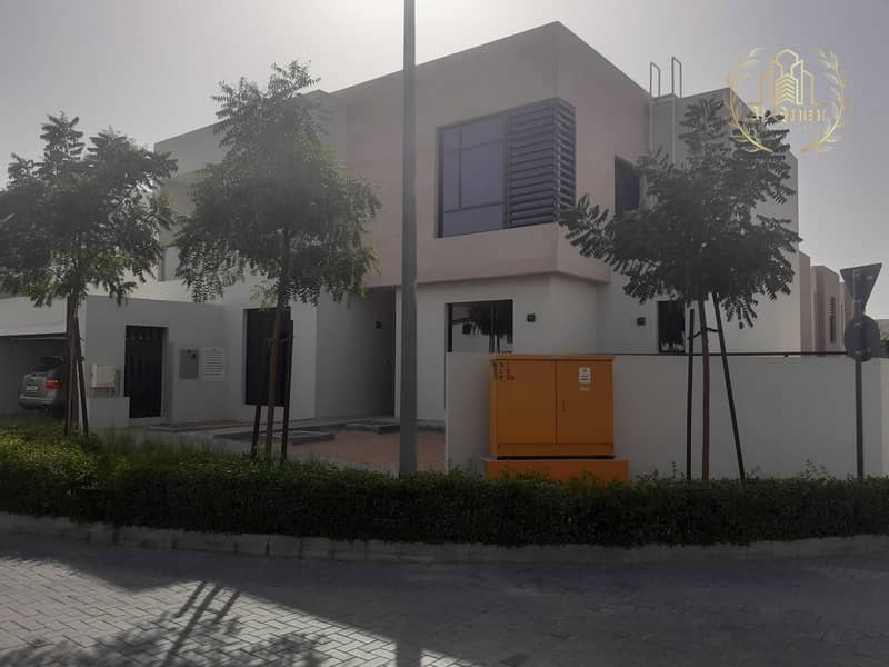 independent Villa / One Milion and Move in