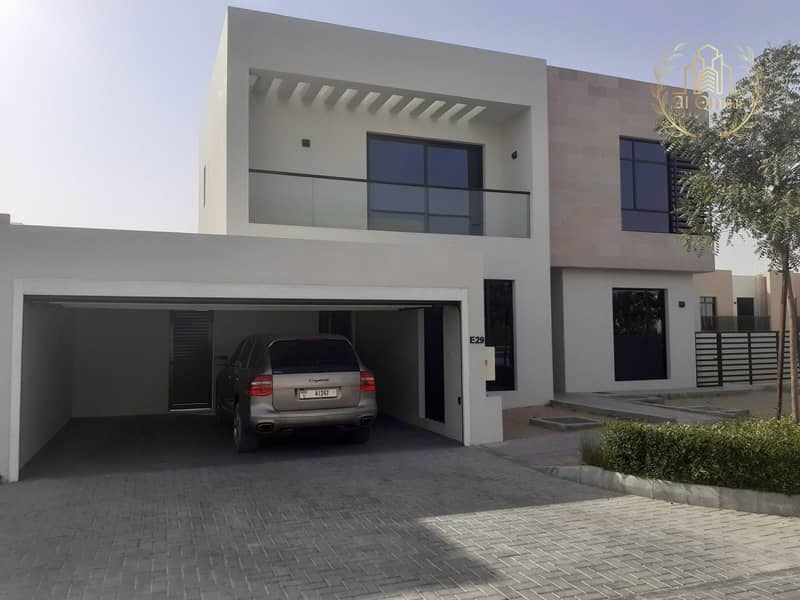 2 independent Villa / One Milion and Move in