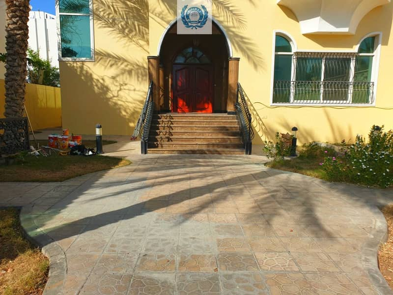 2 MAGNIFICENT  NEW 4BHK Duplex Villa with Garden   available in SHARQAN. only in 90k