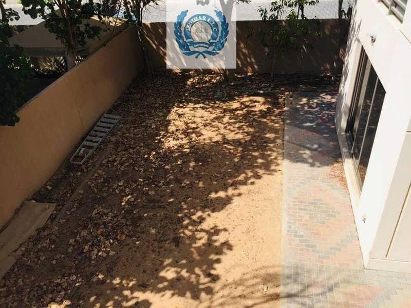 2 Five Bedroom With Majlis & Garden
