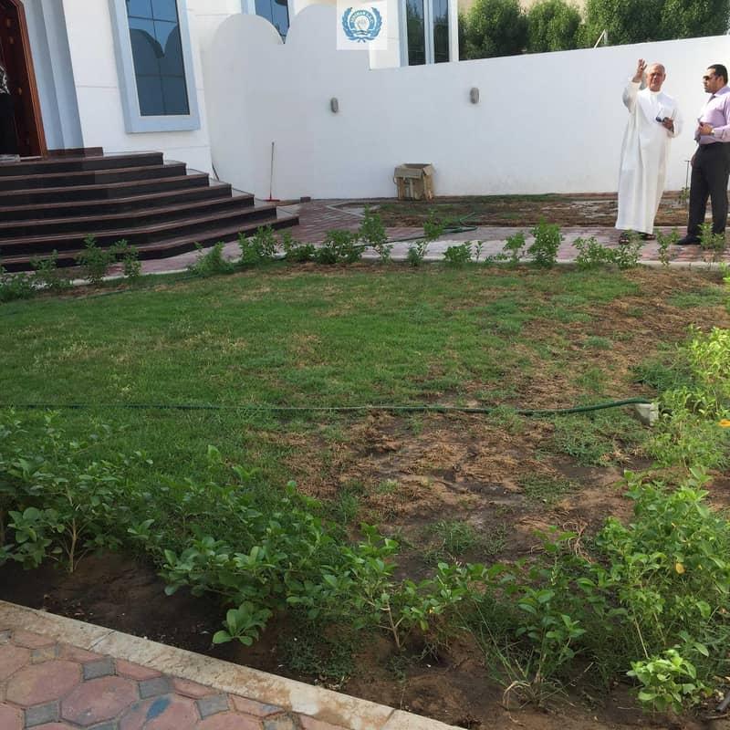19 With Jacuzzi & Huge garden In Azra