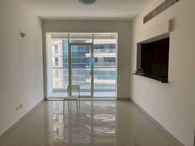 2 Bedroom Flat for Rent in Dubai Sports City, Dubai - 2 Bedroom Apartment Available For Rent in Dubai Sports City (Hub Canal 2)
