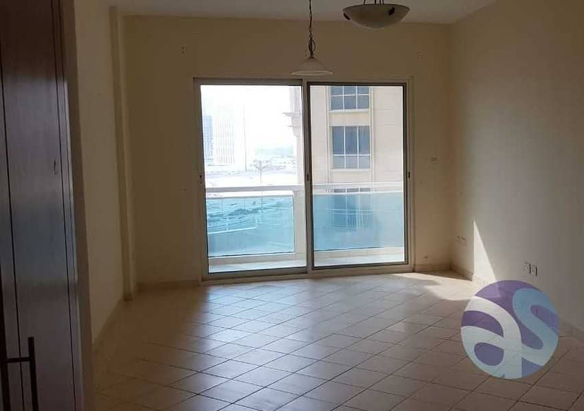 2 Neat & clean sudio apt available for rent