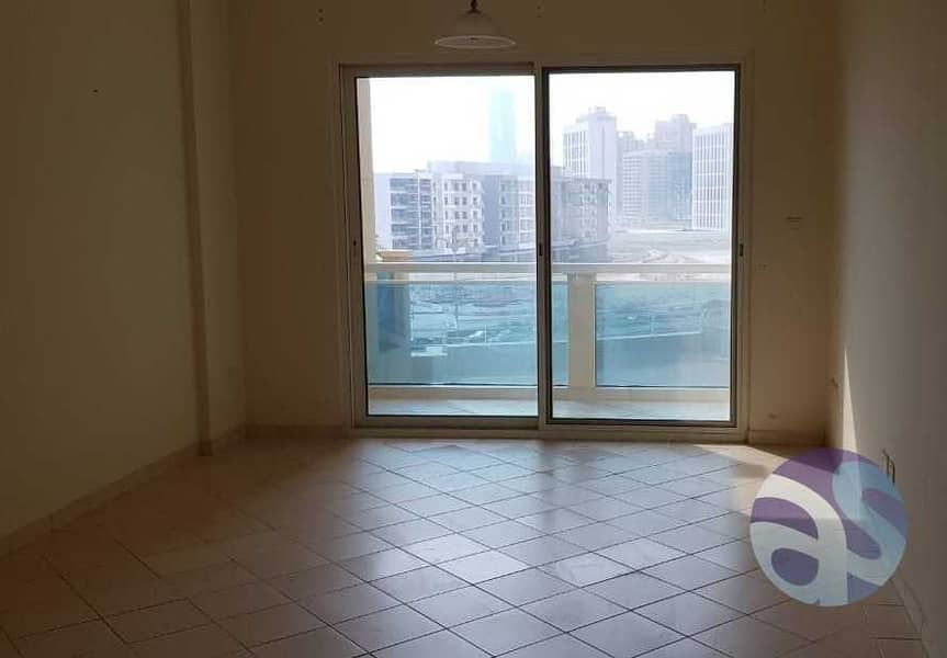 4 Neat & clean sudio apt available for rent