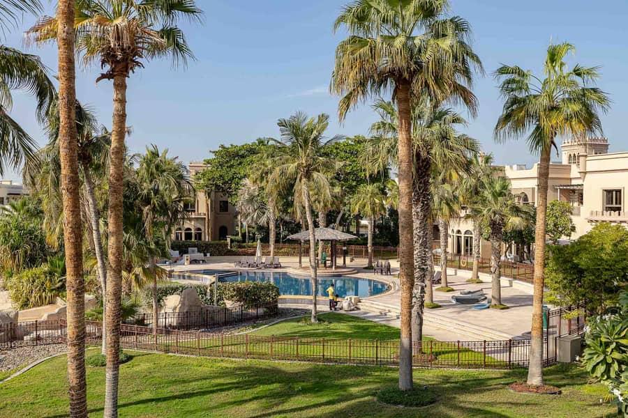 Green Oasis 3BR Villa with beach access