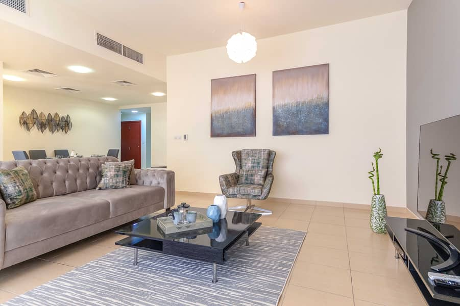 Beach and City Lifestyle in 2 Bed Holiday Home JBR
